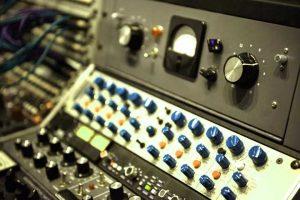 Rekomendasi software Aplikasi Edit Musik Terbaik (Gambar oleh Freepik.com)