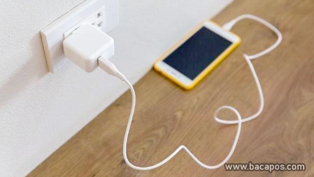 Charge Handphone cara merawat handphone
