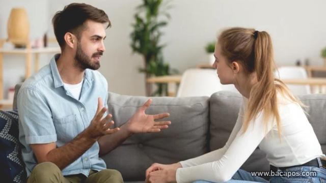 Dengarkan penjelasan pasangan