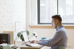 Tips menjaga kesehatan tubuh bagi pekerja kantoran atau yang selalu sibuk bekerja di kantor agar tetap sehat dan terhindar dari risiko