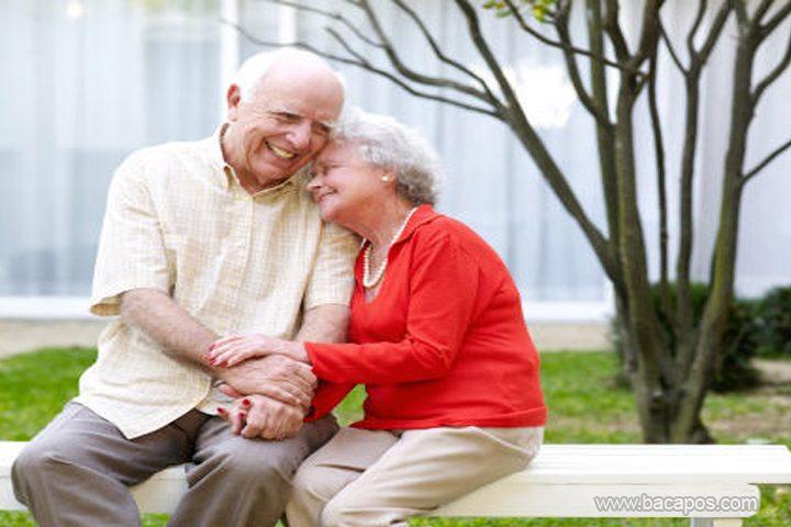 Kunci Rumah Tangga Bahagia tercipta dari prilaku kita sendiri, oleh karna itu anda harus tahu Tips Menjadi Keluarga Harmonis dan Awet